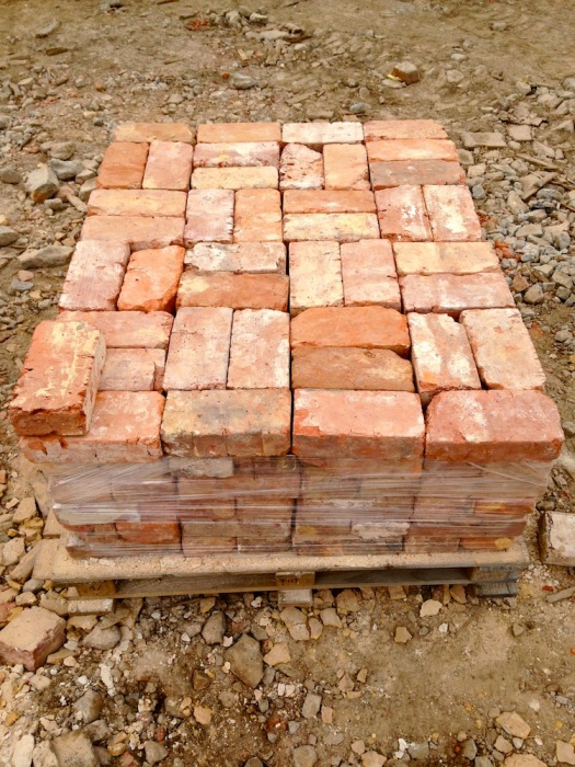 reclaimed brick pallet